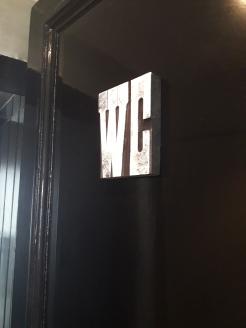 oude houten letters van een drukletterbak bewerkt